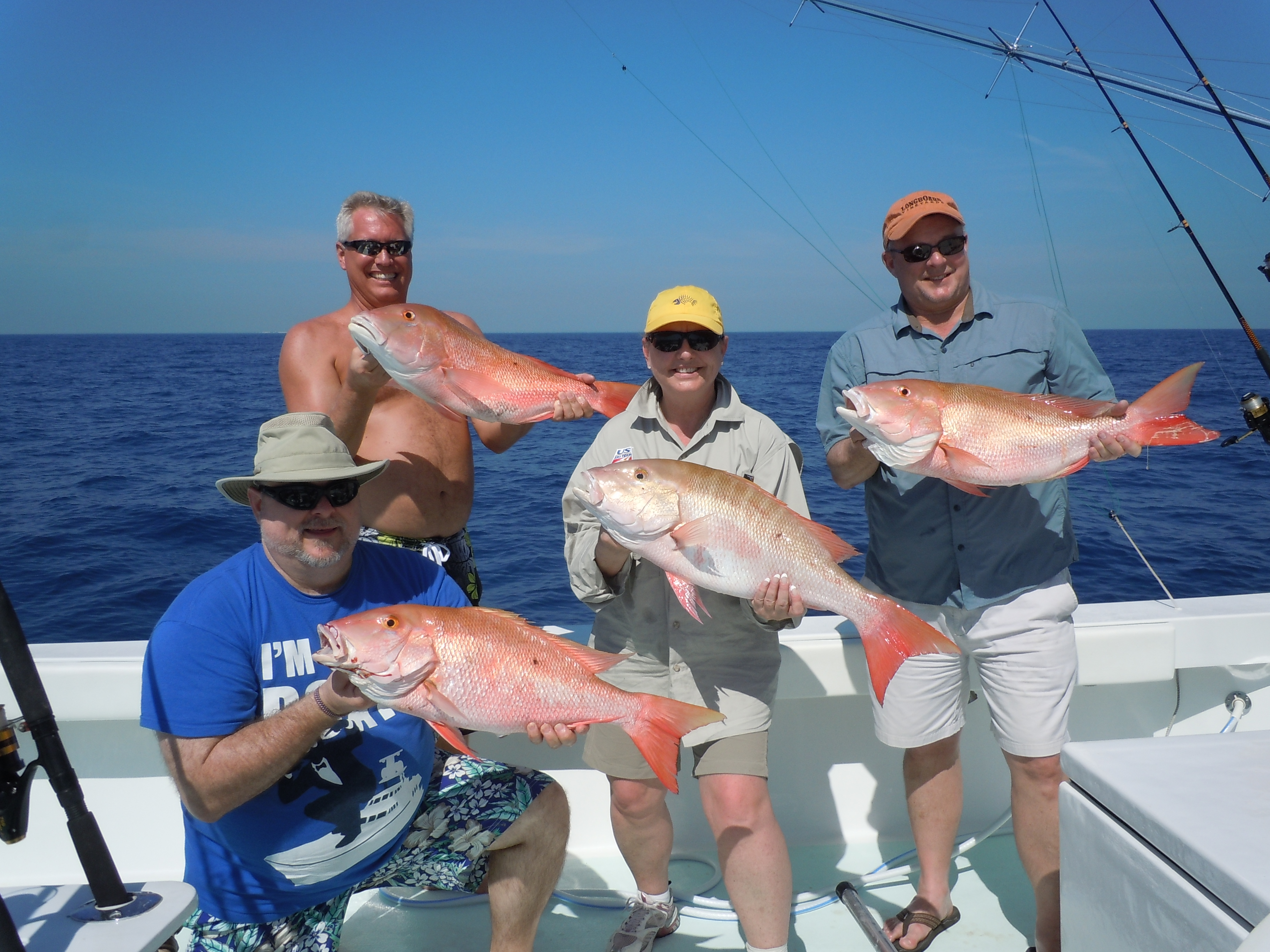 4 member charter holding mutton snappers